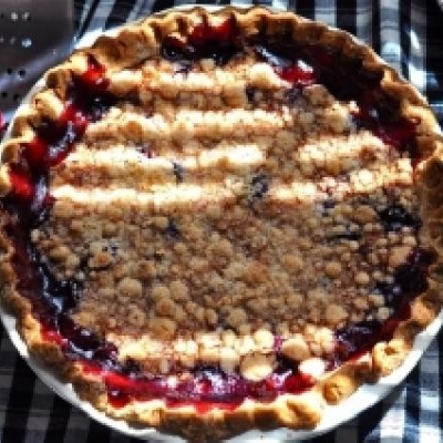 Cherry Pie With Sugar Crumb Topping